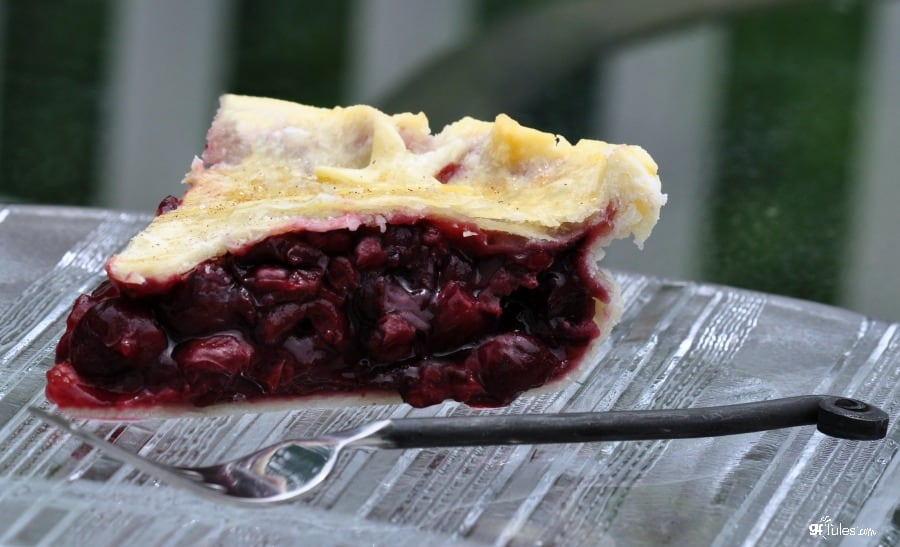 gluten free pie crust topping raspberry pie